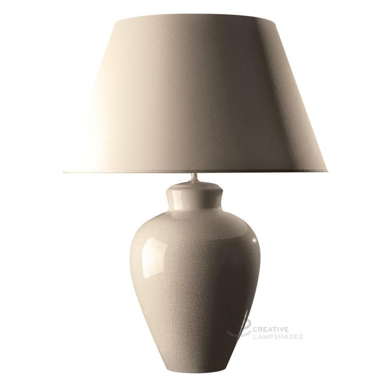 https://www.creative-lampshades.com/17488-thickbox_default/lampada-da-tavolo-base-tondeggiante-in-ceramica-latte-con-paralume-teletta-latte-con-attacco-e27-max-60w.jpg